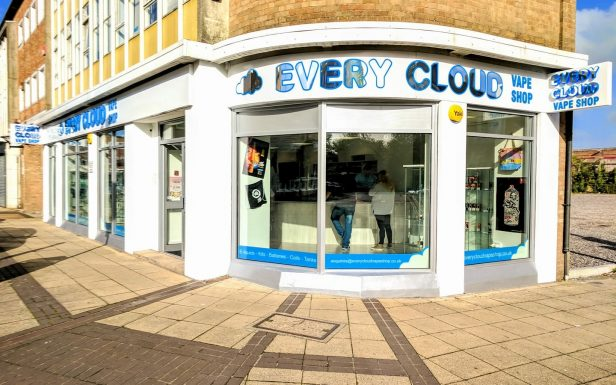 every cloud vape shop, havant, outside, signs
