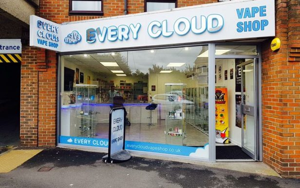 every cloud vape shop, bitterne, southampton, outside, signs