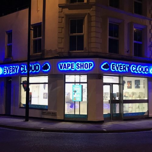 every cloud vape shop, fareham, outside, signs, display, night time, bright signs